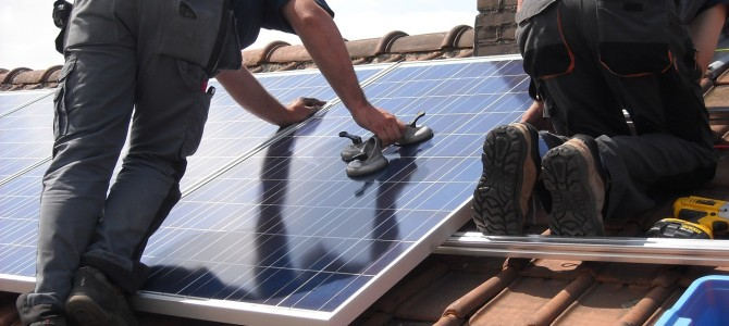 Peut-on installer des panneaux solaires sur une isolation Sarking ?